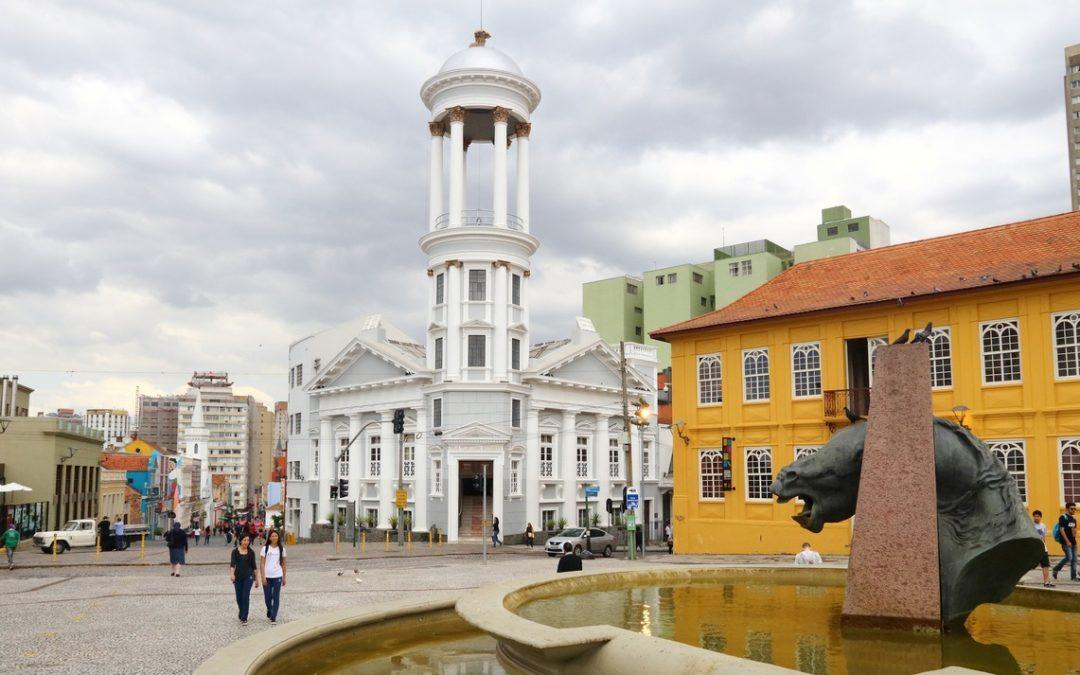 4 motivos para morar no Centro de Curitiba
